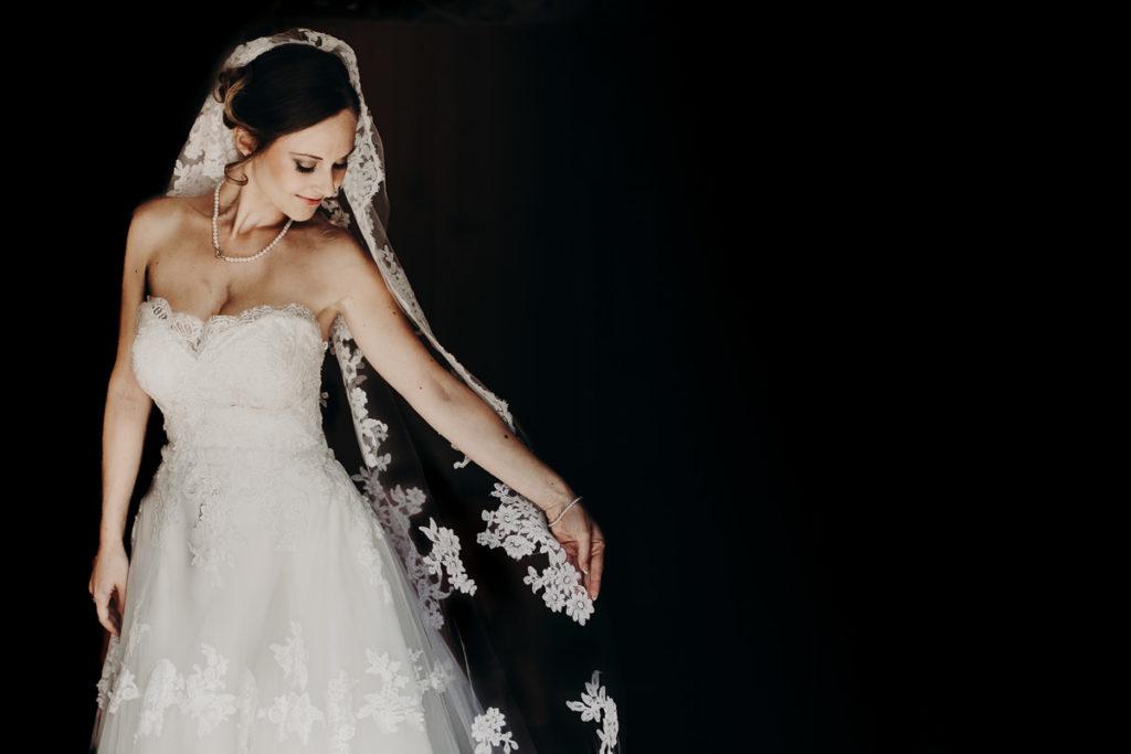 Sposa su sfondo nero - Enrico diviziani wedding photographer